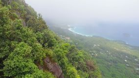 Vue de la forme Morne Blanc View Point, Seychelles de Mahe Island banque de vidéos