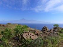 Vue de La Gomera vers Tenerife Photographie stock libre de droits