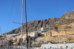Vue de la marina des bâtiments images stock