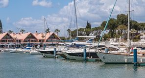 Vue de la marina luxueuse de Vilamoura photo stock