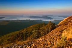 Vue de la mer des montagnes Sikhote-Alin photo libre de droits