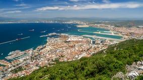 Vue de la mer et de la ville du Gibraltar Photo stock