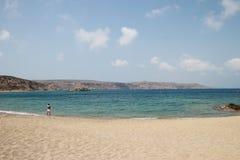Vue de la Palm Beach renversante de Vai avec le bleu, l'eau de turquoise sur Crète image libre de droits