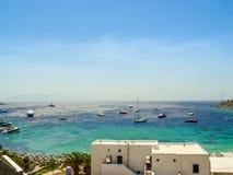 Vue de la plage de paradis dans Mykonos Images libres de droits