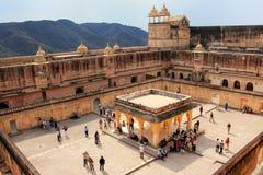 Vue de la quatrième cour en Amber Fort près de Jaipur, Rajastha Photographie stock libre de droits