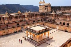Vue de la quatrième cour en Amber Fort près de Jaipur, Rajastha Images stock