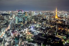 Vue de la tour de Tokyo et de Tokyo Skytree de Mori Tower, Roppongi Hills, Tokyo, Japon images stock