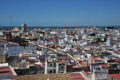 Vue de la ville antique de mer de Cadix de la cathédrale de la croix sainte Images libres de droits