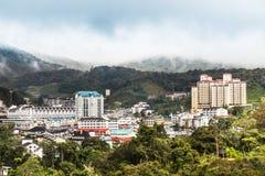 Vue de la ville de Brinchang, Cameron Highlands un matin serein images libres de droits