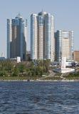 Vue de la ville du Samara dans le fleuve de Volga Images libres de droits