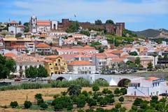 Vue de la ville et du château, Silves, Portugal Photos stock