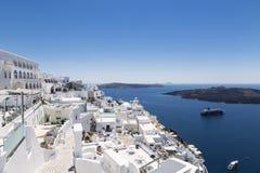 Vue de la ville de Fira sur l'île de Santorini images libres de droits