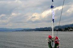 Vue de lac, arc de Stadt Rapperswil Images libres de droits