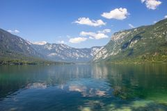 vue de lac Bohinj, Julian Alps, Slov?nie photos stock