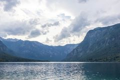 vue de lac Bohinj, Julian Alps, Slov?nie photo libre de droits