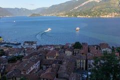 Vue de lac Como et de ville de Bellagio Images stock