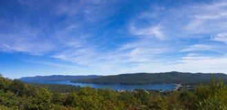 Vue de lac George image stock