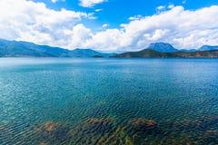 Vue de lac Lugu Image stock