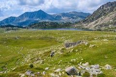 Vue de lac Montmalus en Andorre Image stock