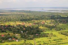 Vue de lac sap de Tonle de tout en haut d'Angkor Vat, Cambodge Photographie stock
