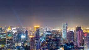 Vue de laps de temps d'horizon de Bangkok la nuit thailand banque de vidéos