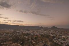 Vue de lever de soleil à partir de dessus de temple de Savitri Photographie stock libre de droits