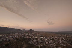 Vue de lever de soleil à partir de dessus de temple de Savitri Photographie stock