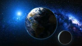 Vue de lever de soleil de l'espace sur terre et la lune de planète Image libre de droits