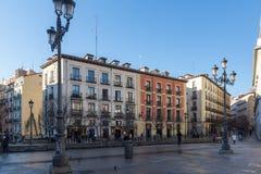 Vue de lever de soleil de Plaza de Isabel II dans la ville de Madrid, Espagne Image stock