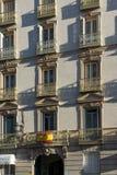 Vue de lever de soleil de Plaza de Isabel II dans la ville de Madrid, Espagne Photographie stock
