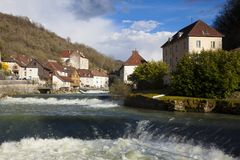 Vue de Lods, le Doubs Images stock