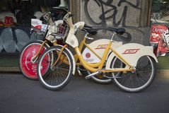 Vue de louer des vélos image stock