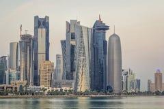 Vue de lumière du jour d'horizon de Doha Qatar Photo stock