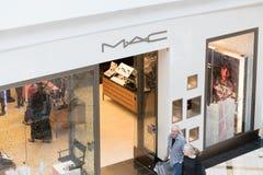 Vue de MAC Cosmetics Shop dans le centre commercial photos stock