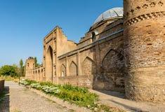 Vue de Madrasa Kuhna près de forteresse de Hisor, le Tadjikistan photo stock