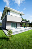 Vue de maison moderne Images stock
