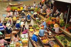 Vue de marché de flottement d'Amphawa, Thaïlande Photographie stock libre de droits