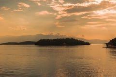 Vue de matin du port de Nydri, île de Leucade, Grèce images stock