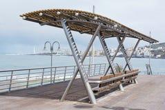 Vue de mer avec les bancs 2 Photographie stock