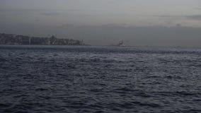 Vue de mer de bosphorus d'Istanbul banque de vidéos