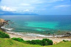 Vue de mer d'île d'herbe Photos stock