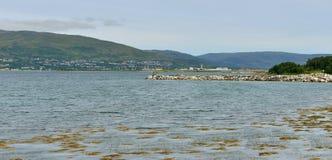 Vue de mer, d'île et d'aéroport Tromso Photo stock