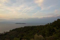 Vue de mer de la montagne Image libre de droits