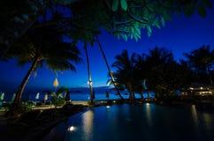 Vue de mer de Poolside au KOH Chang Photographie stock libre de droits