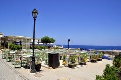 Vue de mer de restaurant de café de plage Photos stock