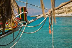 Vue de mer du café Café sur la côte en Grèce crète images libres de droits