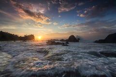 Vue de mer, lever de soleil Images libres de droits