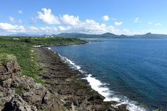Vue de mer de Longpan avec des roches dans Kenting images libres de droits