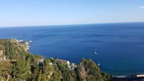 Vue de mer ouverte dans Castelmola Photo libre de droits
