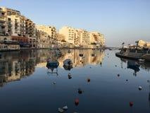 Vue de mer ouverte de baie de Malte Spinola Image stock